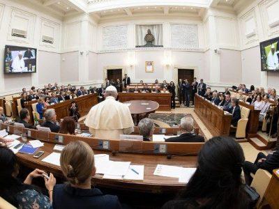 Pápež vyhlasuje klimatickú krízu