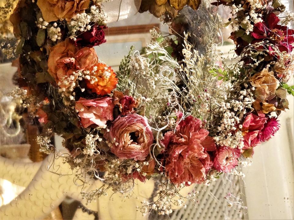 Veniec zo sušených kvetov